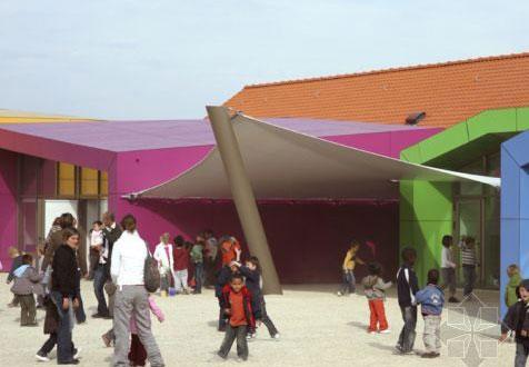 AIR设计法国Pierrelaye儿童康乐中心4