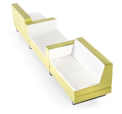 沙发框架由松木制成,外饰面材料有皮革