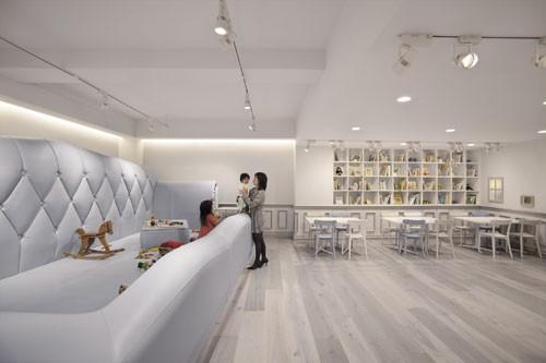 冷静的对比空间——表参道儿童咖啡馆1