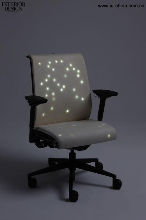 颜臣勋-椅子的新关系
