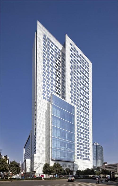 美国gp建筑设计有限公司设计此项目商场及上层酒店