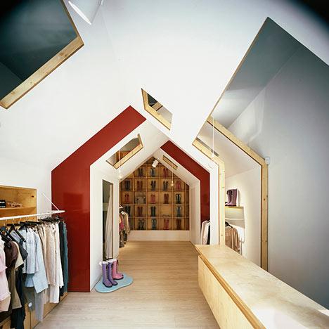 fiufiu服装店就是这些小房子中的一个