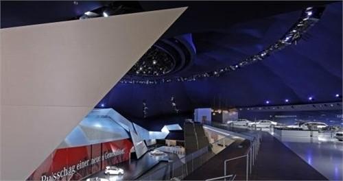 德国法兰克福奔驰展厅设计欣赏