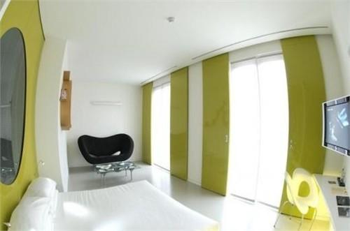 意大利现代超现实主义酒店室内设计