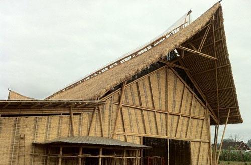 印尼巴厘岛建造世界上最大的竹制建筑