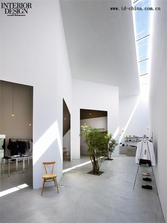 日本建筑事务所suppose design office日前完成了一座服饰店的图片
