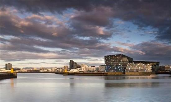 冰岛的harpa音乐厅赢得2013年密斯凡德罗奖