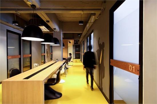 【今日案例】现代酷炫的曼谷kliquedesk办公室设计