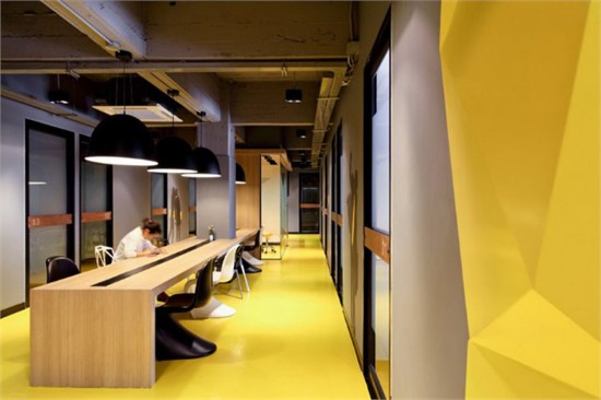 现代酷炫的曼谷kliquedesk办公室设计