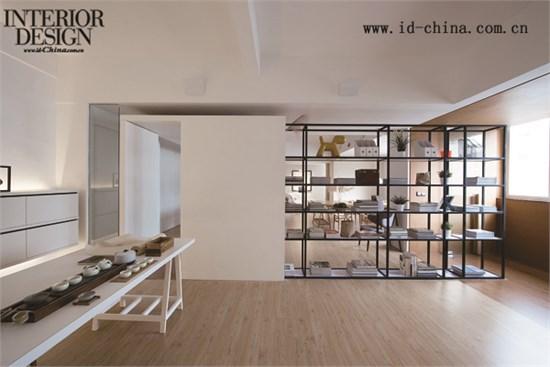 在设计理念上,设计师将室内设计与艺术元素相结合,散发出来的气场