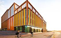 暖阳:荷兰阿姆斯特丹第四高级中学