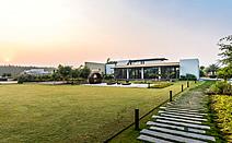 住进自然:印度Vanvaso住宅